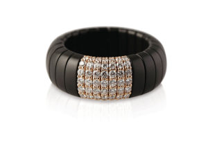 Pura ring in black matte ceramic and brown diamonds
