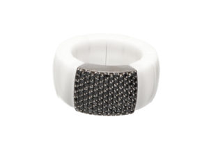 Domino white shiny ceramic ring with black diamonds