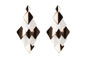 Aura medium earrings in white shiny and rose goldplated ceramic
