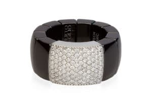Domino, stretch ring in 18k gold with white diamonds and high tech ceramic