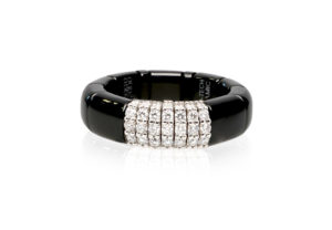 Pura, ring in 18k gold with white diamonds and high tech ceramic
